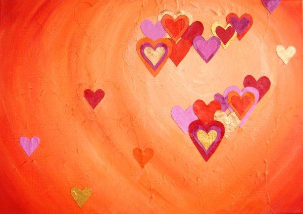 Abstract, kleurrijk 3D schilderij van 70 x 100 x 4 cm met een hart van linnen hartjes erop