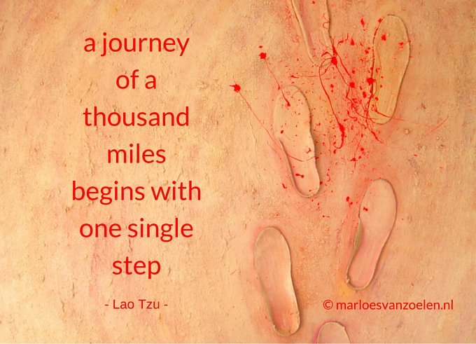 Schilderij Stapje voor stapje je quote A journey of a thousand miles begins with 1 single step