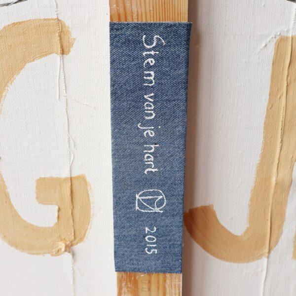Abstract schilderij aardetinten - Stem van je hart - Detail label achterzijde - Marloes van Zoelen