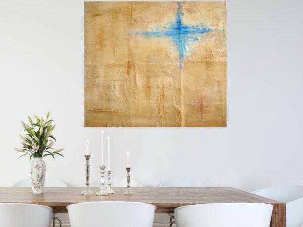 Schilderij naturel - Spoor van liefde II boven een houten eettafel