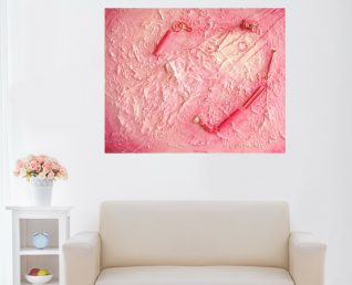 Schilderij met groot hart Geopend hart boven witte stoel