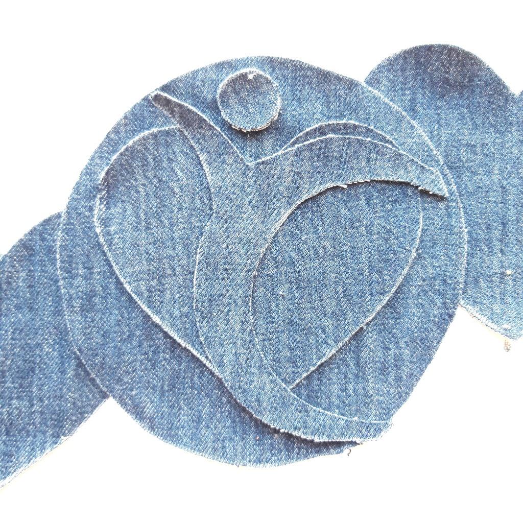 Logo fysiotherapiepraktijk uit spijkerstof - Marloes van Zoelen
