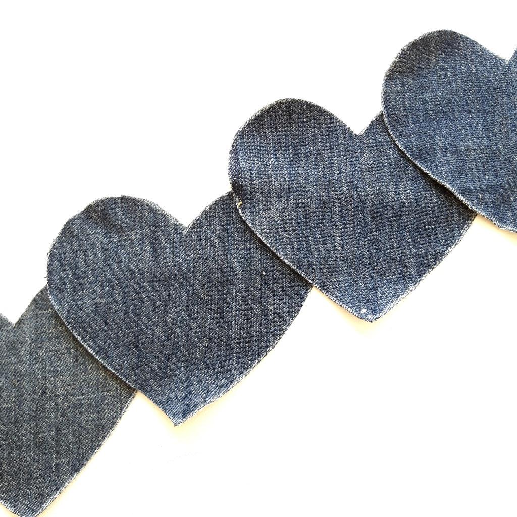 Hartjes uit spijkerstof voor op persoonlijk schilderij op maat - Marloes van Zoelen