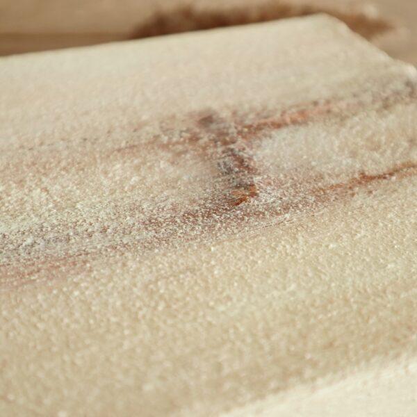Een detail uit klein schilderij (crème) Stilstaan - Marloes van Zoelen