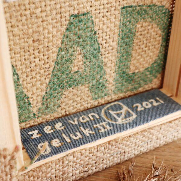Drijfhout kunstwerk Zee van geluk - Label - Marloes van Zoelen