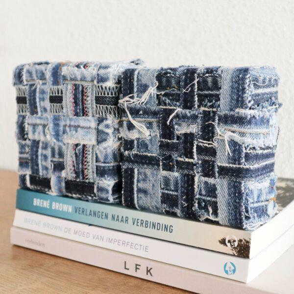 Jeans schilderij Innig verbonden - Tweeluik - Marloes van Zoelen